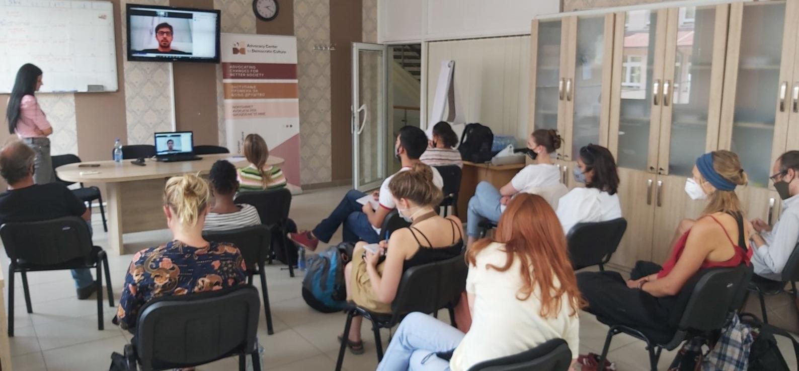poseta-studenata-evropskih-master-studija-ludskih-prava-i-demokratizacije-ema